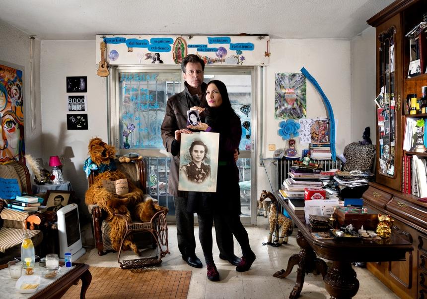 Los artistas del barrio seguimos existiendo - Julius Mirlo y Paola Paula escritores y artistas en Orcasitas